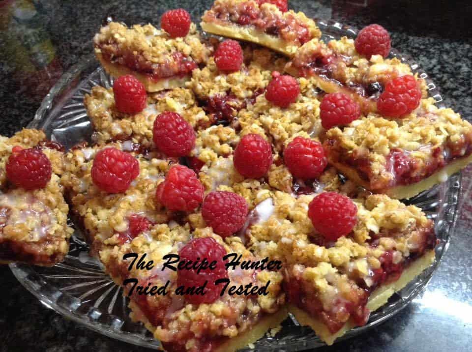 TRH Raspberry Streusel Bars