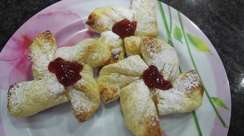 surekas-breakfast-jam-pastries