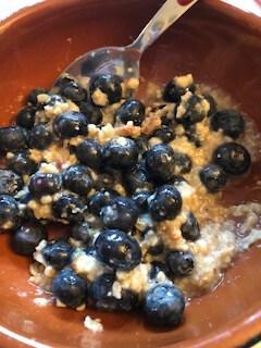 BFAST GF Porridge and Blueberries