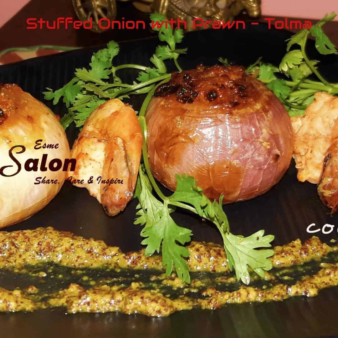 Stuffed Onion with Prawn Tolma