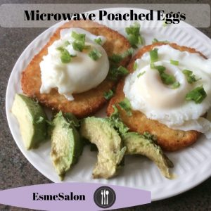 Poached eggs with avo on hash browns